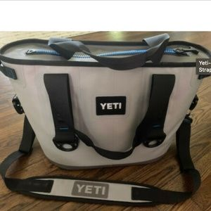 Yeti Hopper 20 Portable Cooler, Used 2-3 times
